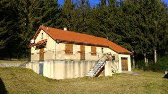 Jolie villa avec du terrain dans le secteur de La Bastide Puylaurent