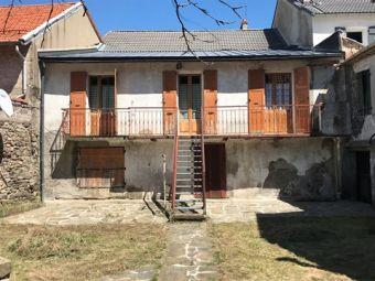 Maison en pierres avec jardin dans le secteur de La Bastide Puylaurent