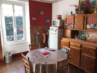 Appartement sur deux niveaux dans le secteur de Langogne Ville