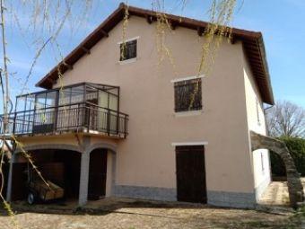 Maison de ville, Jolie maison avec 660 m² de terrain  dans le secteur de Langogne Ville