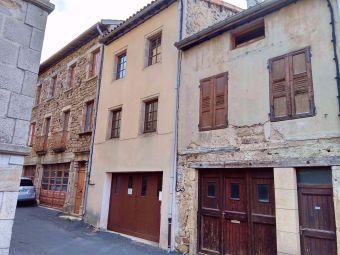 Maison de village, Jolie maison de village avec deux appartements  dans le secteur de Pradelles
