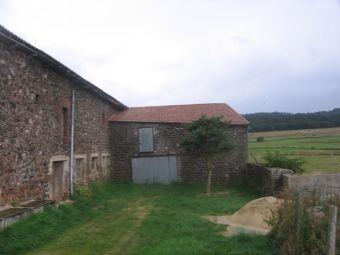 Ferme rénovée, Ancienne ferme rénovée dans le secteur de Cayres