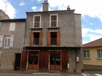 Appartement, Immeuble comprenant 2 appartements dans le secteur de Langogne Ville