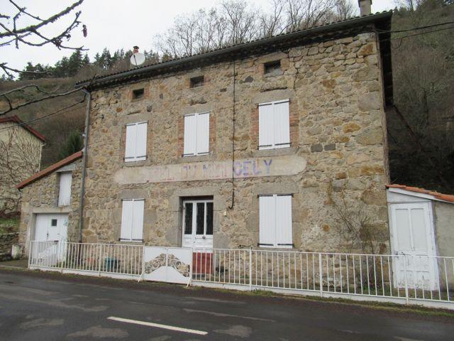 Maison de village, Jolie maison en pierres dans le secteur de Saint Bonnet - Laval Atger