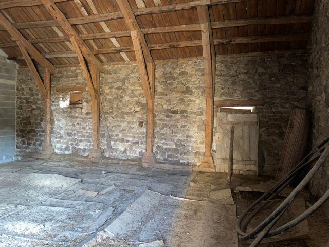 Ancienne grange et ancienne étable