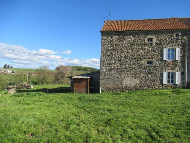 Jolie maison en pierres avec 1800 m² de terrain