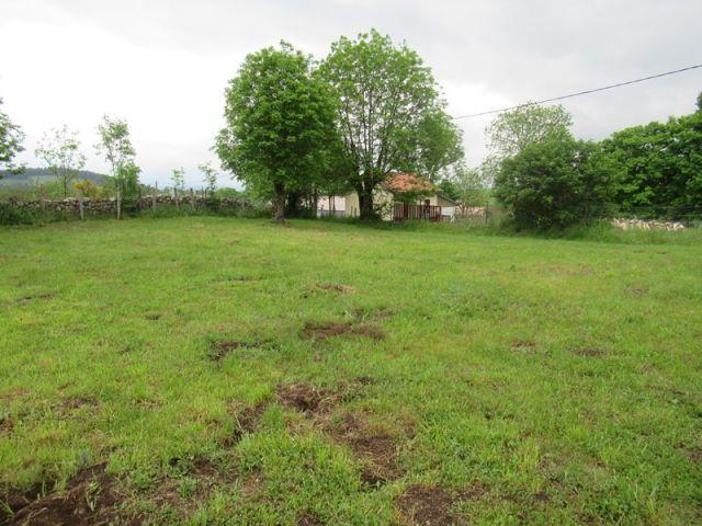 Terrain, Terrain constructible d'environ 600 m² dans le secteur de Landos - Costaros