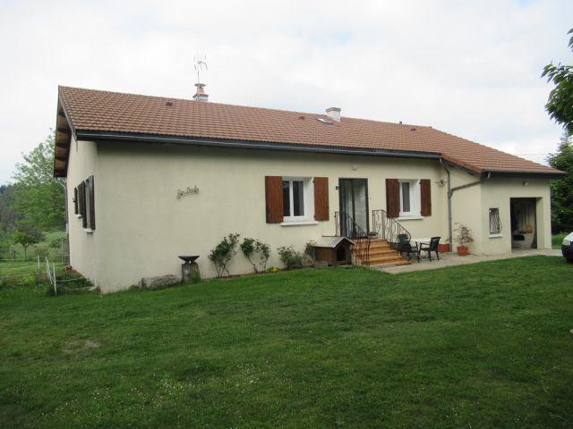 Villa, Très jolie maison de plain-pied avec 2000 m² de terrain dans le secteur de Langogne Campagne
