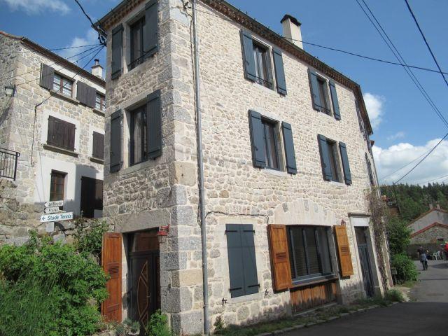 Maison de village, Maison en pierres avec terrain non attenant  dans le secteur de Langogne Campagne