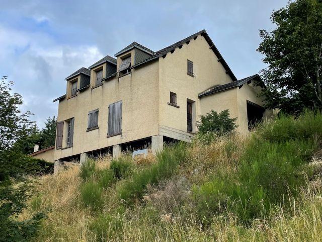 Maison de village, Maison de village avec terrain attenant dans le secteur de Châteauneuf de Randon