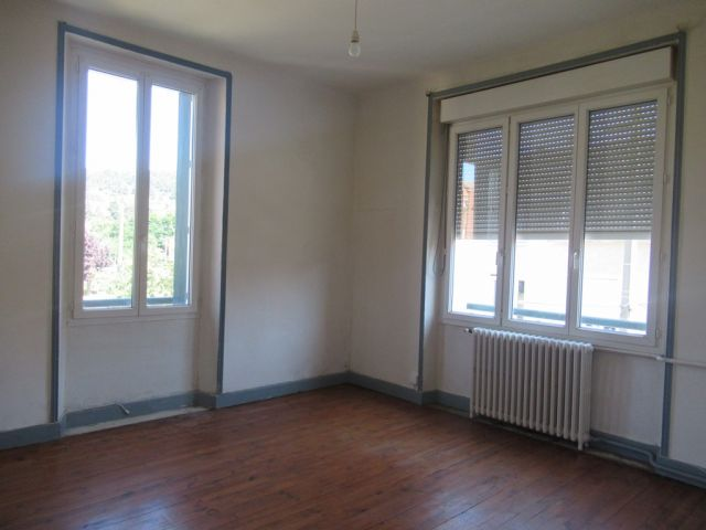 Appartement, Appartement de 100 m² proche du centre-ville dans le secteur de Langogne Ville