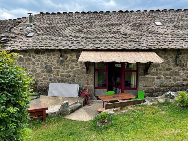 Ferme rénovée, Ancienne grange joliment restaurée dans le secteur de Châteauneuf de Randon